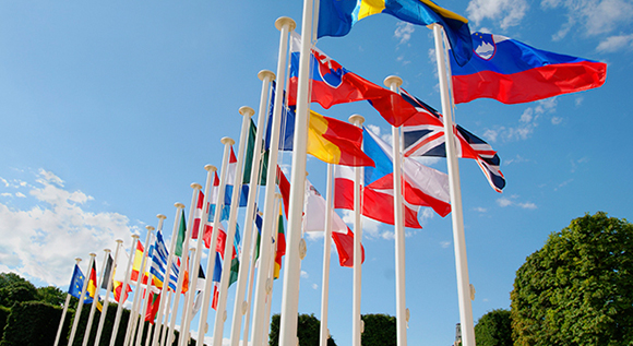 energy-union-flags