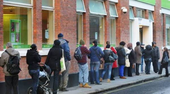 job centre queue1